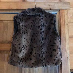 vintage valley Jackets & Coats - Fake fur vest
